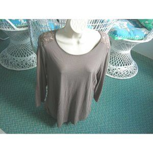 CHICO'S KNIT TOP Pullover TAUPE Has LACE BACK